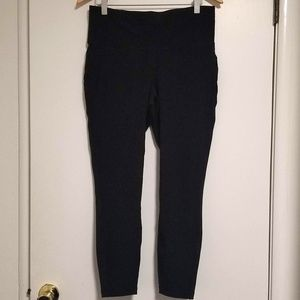Old Navy Active High Rise Cropped Street Leggings